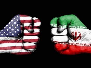 Mỹ phong tỏa tiếp 18 ngân hàng của Iran