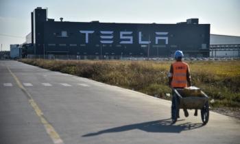 """""""Canh bạc"""" tỷ USD của Tesla tại Trung Quốc"""