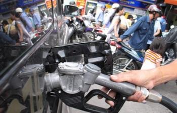 Giá xăng ngày mai (28/5) tiếp tục tăng mạnh, có thể tới 1.500 đồng/lít!