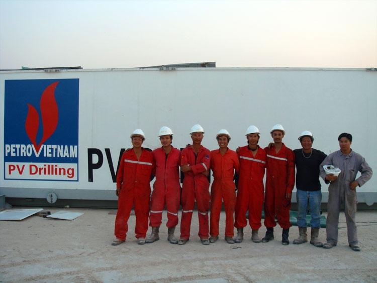 Tìm dầu trên sa mạc
