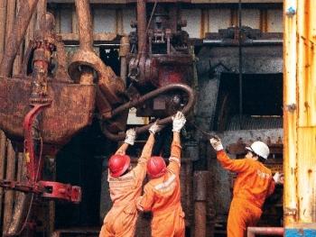 Người dầu khí vẫn tự tin bước tiếp