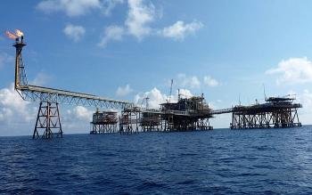 Cần ứng xử đặc biệt với ngành Dầu khí
