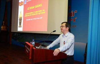 Tổ chức bồi dưỡng lý luận chính trị  cho đối tượng kết nạp đảng và đảng viên mới