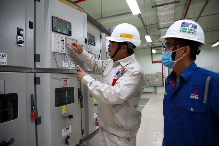 Nghiên cứu tự sửa chữa Relay SPAJ115C ở NMLD Dung Quất
