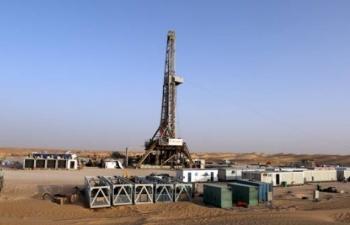 Ký ức tìm dầu trên sa mạc lửa