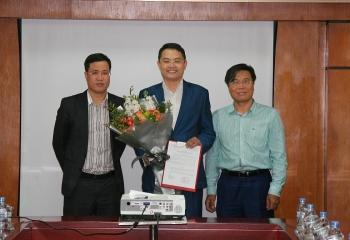 dmc bo nhiem pho truong ban kinh doanh va pho chanh van phong