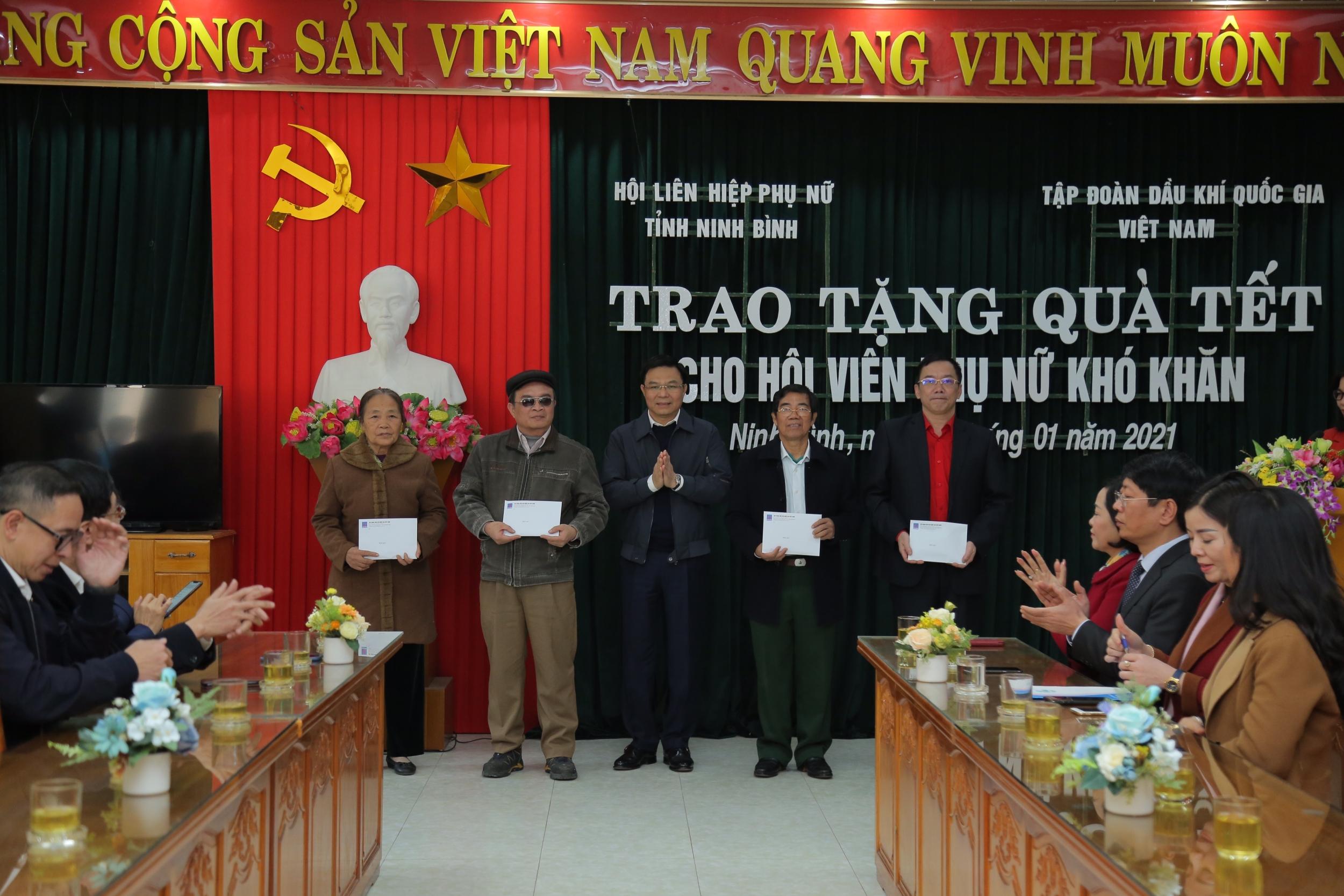 Tấm lòng người dầu khí chia sẻ với người nghèo tỉnh Ninh Bình