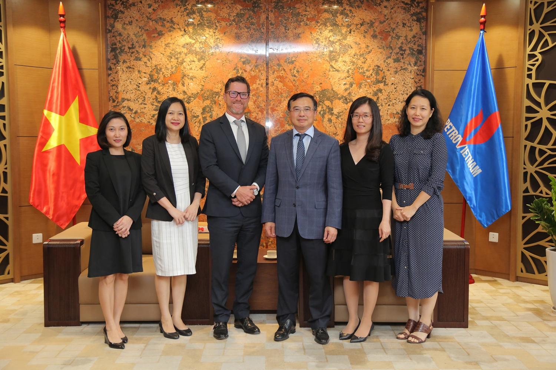 Chủ tịch HĐTV Petrovietnam Hoàng Quốc Vượng tiếp Tổng Giám đốc HSBC Việt Nam