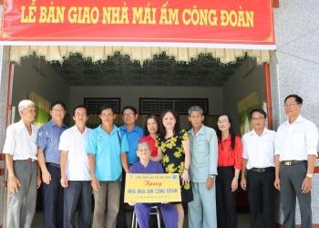 """CĐ DKVN trao nhà """"Mái ấm Công đoàn"""" tại tỉnh Cà Mau"""