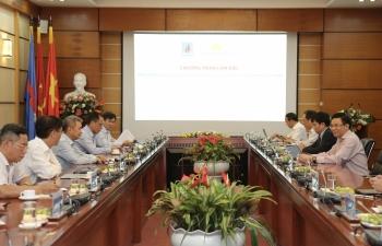 PVN đề nghị Vietnam Airlines hỗ trợ trong việc đưa các chuyên gia dầu khí nước ngoài vào Việt Nam
