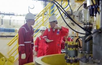 Tổng giám đốc Bien Dong POC Ngô Hữu Hải kiểm tra công tác trên các công trình biển