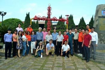 Đoàn Đại biểu Đại hội Đảng bộ PVEP lần III về nguồn tại mỏ Tiền Hải C