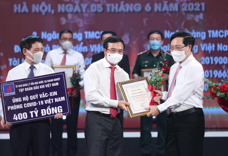 Petrovietnam và Công đoàn Dầu khí Việt Nam phát động quyên góp, ủng hộ công tác phòng, chống dịch Covid-19