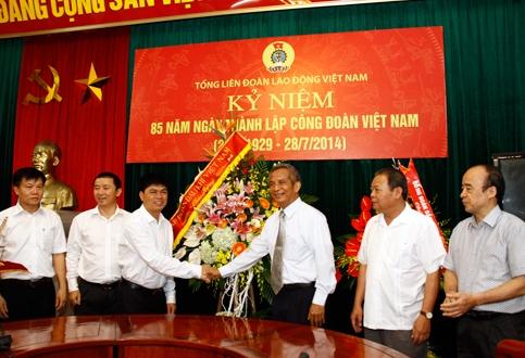 Chủ tịch PVN chúc mừng Tổng Liên đoàn Lao động Việt Nam