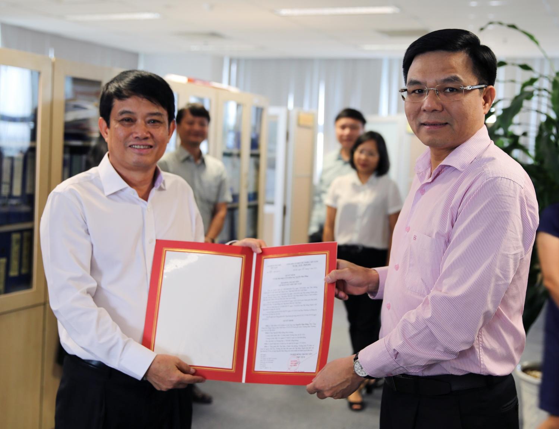 PVN công bố và trao quyết định bổ nhiệm Trưởng ban Thương mại Dịch vụ Tập đoàn
