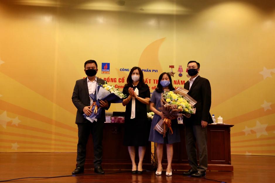 HĐQT PVI chúc mừng ông Nguyễn Xuân Hòa và bà Bùi Thị Nguyệt