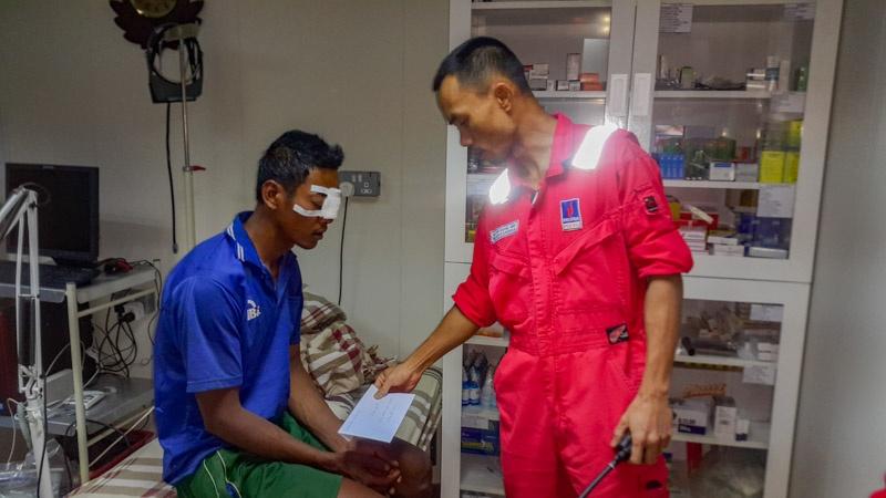 PVEP POC hỗ trợ chữa trị cho ngư dân gặp nạn