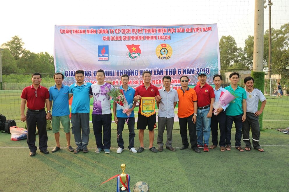 tuoi tre pv power services to chuc giao luu the thao chao mung thang thanh nien nam 2019