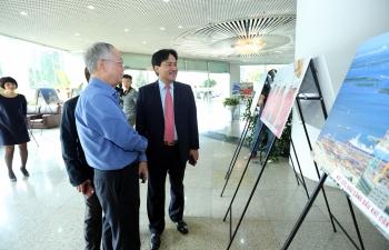 Khai mạc triển lãm ảnh về con người và công trình dầu khí của nhà báo Nguyễn Như Phong
