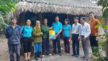 Công đoàn Dầu khí Việt Nam hỗ trợ đồng bào bị thiệt hại do lũ lụt tại Quảng Bình