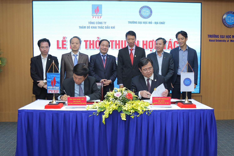 PVEP ký kết thỏa thuận hợp tác với Trường Đại học Mỏ - Địa chất