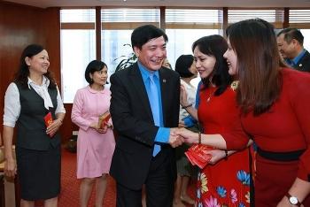 Chủ tịch Tổng LĐLĐVN Bùi Văn Cường thăm và chúc Tết người lao động Dầu khí