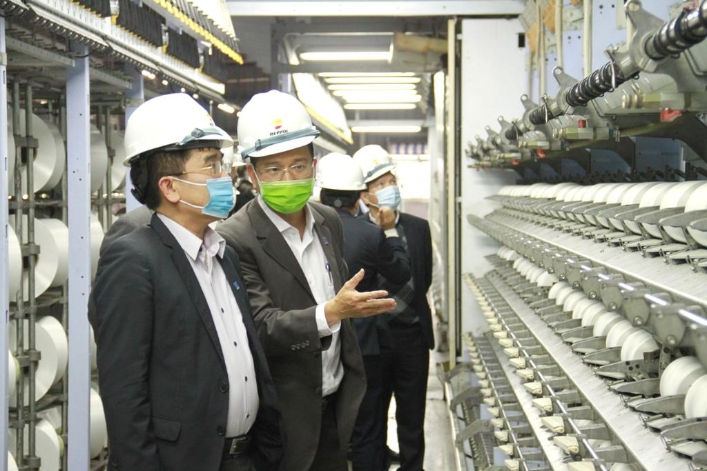 Lãnh đạo Petrovietnam kiểm tra tình hình SXKD tại Nhà máy Xơ sợi Đình Vũ