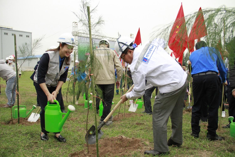 Petrovietnam hưởng ứng chương trình trồng 1 tỉ cây xanh