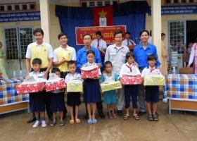 Tuổi trẻ Đạm Cà Mau sẻ chia cùng cộng đồng