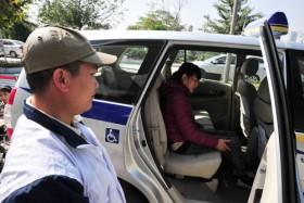 Taxi vì người khuyết tật