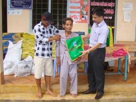 PVFCCo khám bệnh, phát thuốc miễn phí cho bà con nông dân nghèo