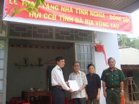 """Bàn giao 2 căn nhà """"Nghĩa tình đồng đội"""" tại huyện Xuyên Mộc"""
