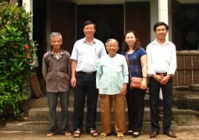 VPI thăm Mẹ Việt Nam Anh hùng và bàn giao nhà tình nghĩa