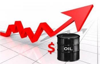Giá xăng dầu hôm nay 26/8 tăng mạnh