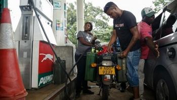 Zimbabwe thông báo tăng thêm 150% giá xăng dầu