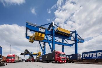 Xuất khẩu hàng hóa trực tuyến: Hướng đi tất yếu của doanh nghiệp