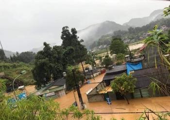 Mưa lớn, lũ sông Hồng dâng cao gây ngập nhiều nơi ở Lào Cai