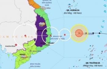 Quảng Trị - Khánh Hòa đang mưa lớn, bão Vamco gần Biển Đông tiếp tục tăng cấp