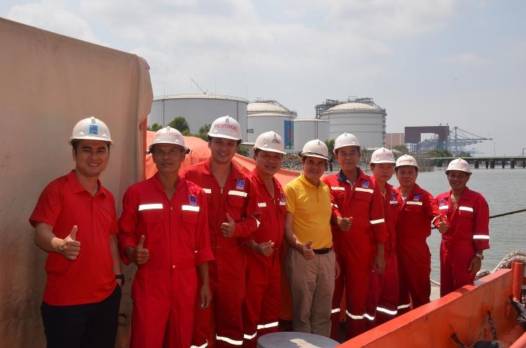 Công đoàn PV Drilling thăm và chúc tết đầu năm mới NLĐ - Thuyền viên trực tại kho cảng xăng dầu Petec Cái Mép tỉnh Bà Rịa – Vũng Tàu