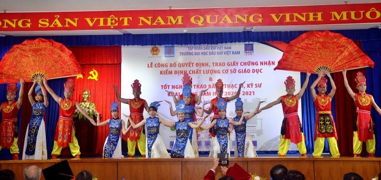 Đại học Dầu khí Việt Nam khai giảng năm học mới 2020-2021 và trao bằng thạc sỹ, kỹ sư