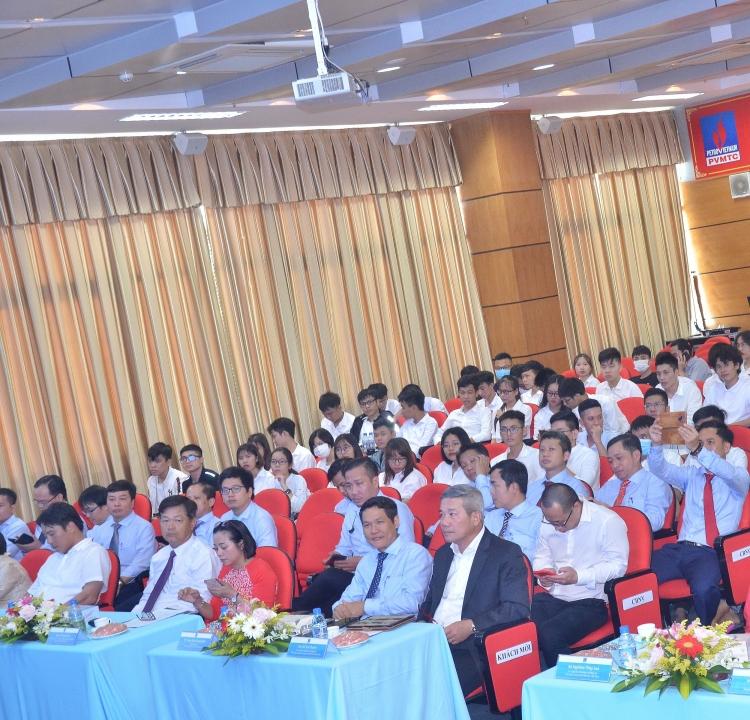 PVU tổ chức kỷ niệm Ngày Nhà giáo Việt Nam và 10 năm thành lập