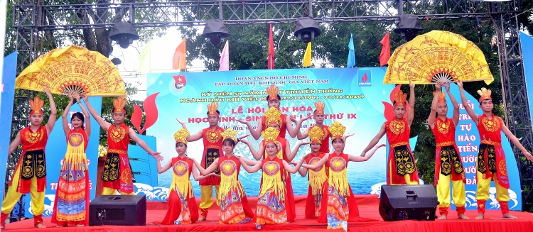 Sôi động và ý nghĩa với Lễ hội Văn hóa học sinh - sinh viên lần thứ IX