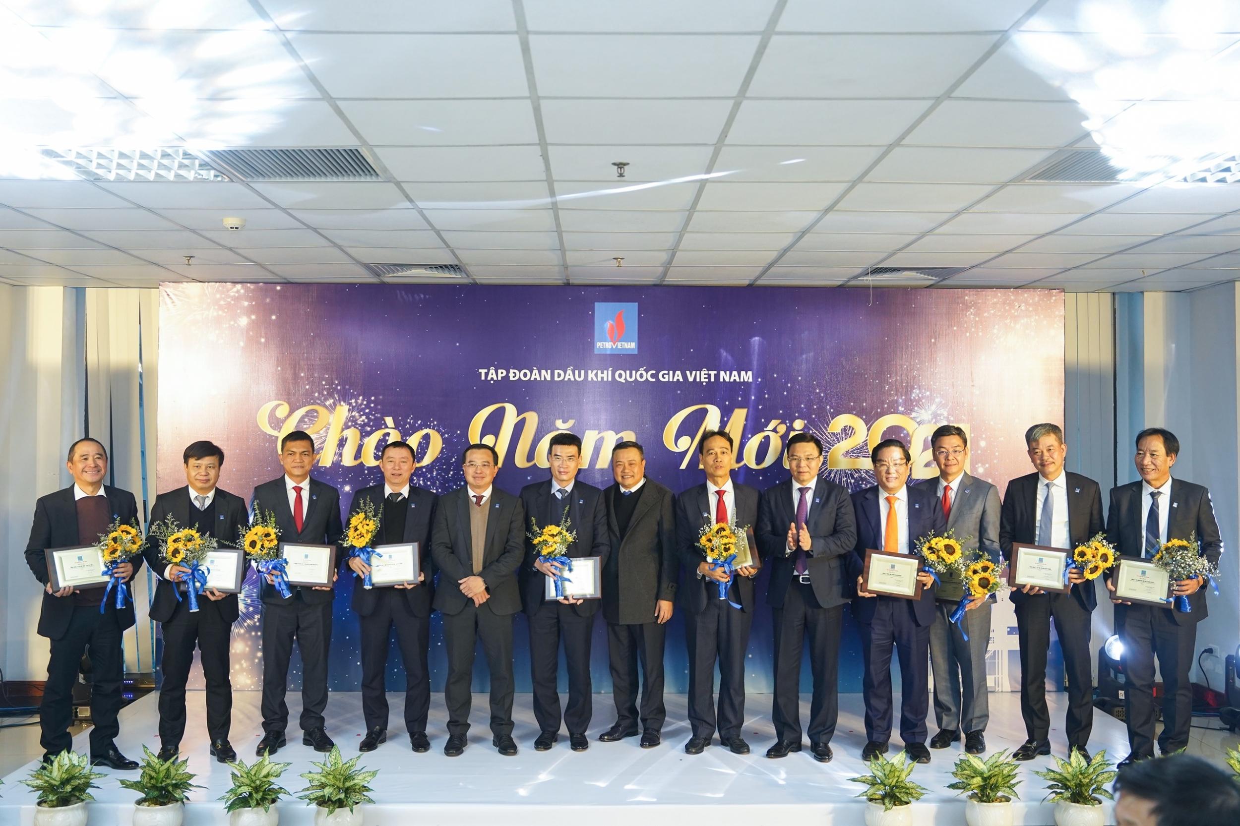 Tôn vinh các đơn vị đóng góp cho thành công của toàn Tập đoàn Dầu khí Quốc gia Việt Nam