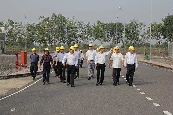 Đoàn Công tác đi thăm Nhà máy điện Nhơn Trạch 2