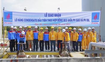 Giao nhận lô condensate đầu tiên theo hợp đồng BCC giữa PV GAS và PVOIL