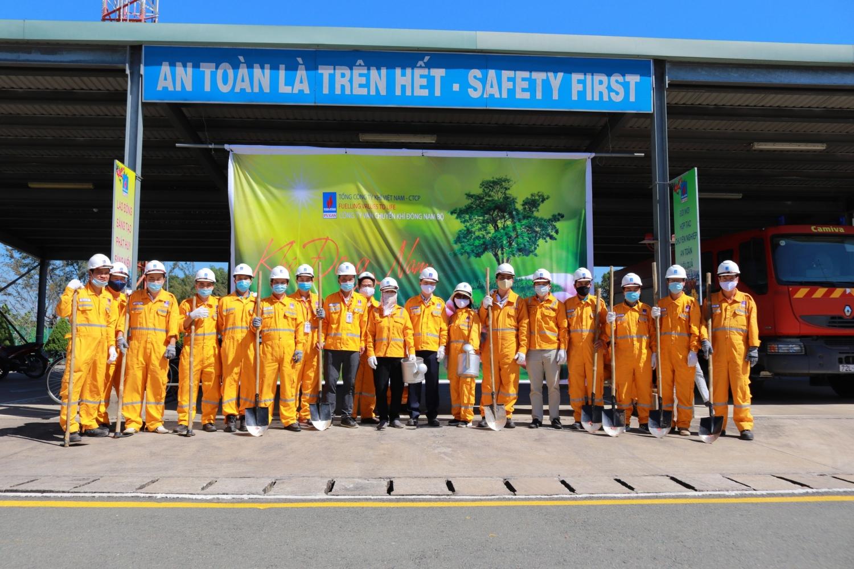 chương trình trồng cây đợt 3 tại Trung tâm Phân phối khí Nhơn Trạch