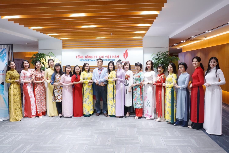 Công đoàn PV GAS chúc mừng lao động nữ