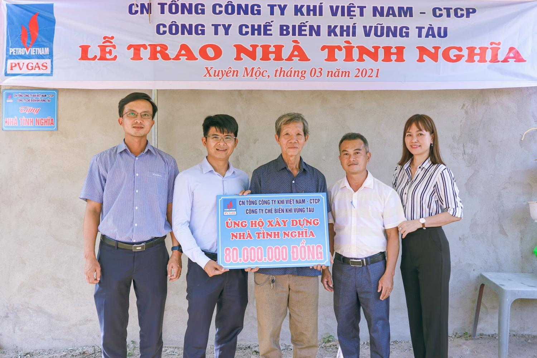 Đại diện Lãnh đạo KVT trao nhà tình nghĩa tại huyện Xuyên Mộc