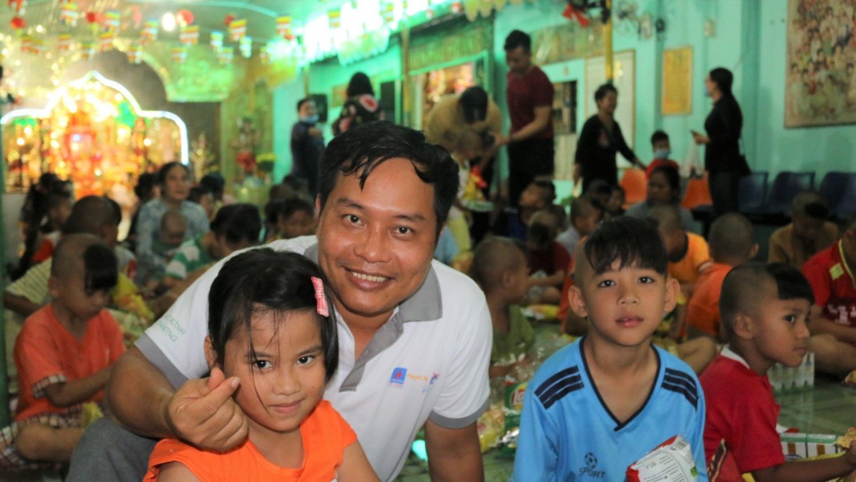 KĐN – Hành trình yêu thương đến Trung tâm nhân đạo Bồng Lai