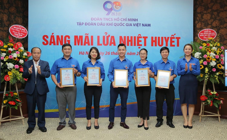trao giải Giải video clip được yêu thích nhất cho các đơn vị đoạt giải